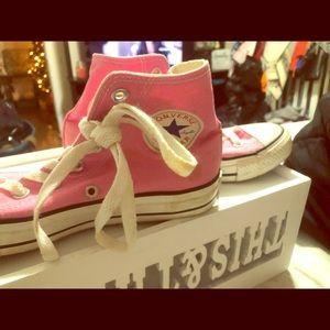 Baby pink converse sz 7 high tops